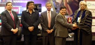 ഡോ. ആലു കെ മുഹമ്മദിന് യുണൈറ്റഡ് ഹ്യൂമൻ കെയർ പുരസ്കാരം
