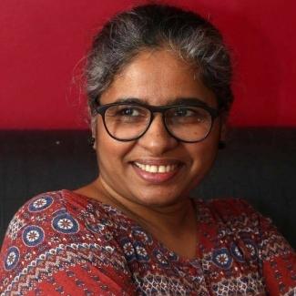 സംസ്കൃതി-സി. വി. ശ്രീരാമൻ പുരസ്കാരം ലഭിച്ച ബീനക്ക് ചില്ലയുടെ അഭിനന്ദനം