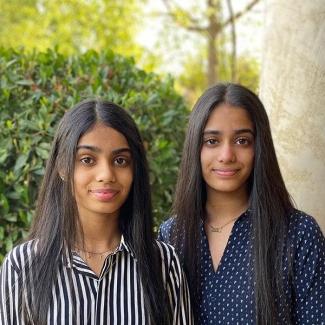 ഇന്ത്യൻ അമേരിക്കൻ ഇരട്ട സഹോദരിമാർ റെയർ വോയ്സ് അവാർഡ് ഫൈനലിസ്റ്റുകൾ