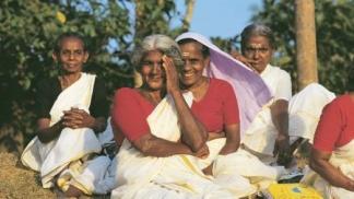 വാർധക്യകാല പെൻഷൻ തദ്ദേശസ്ഥാപനങ്ങൾക്ക് അനുവദിക്കാം; വിവാഹബന്ധം വേർപെടുത്തിയവരുടെ കുട്ടികളുടെ പേര് തിരുത്തൽ നടപടി പരിഷ്കരിച്ചു