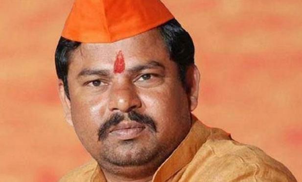 വിവാദ എംഎൽഎ രാജാ സിങ് ബിജെപിയിൽ നിന്ന് രാജിവെച്ചു; ഇനി മുഴുവൻ സമയ പശുസംരക്ഷകൻ; തെലുങ്കാന സർക്കാർ 'ഗോക്കളെ' നോക്കുന്നില്ലെന്നും പരാതി