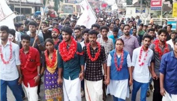 പന്തളം എസ്എസ്എസ് കോളജിൽ എബിവിപിയെ തറപറ്റിച്ച് എസ്എഫ്ഐ; തുമ്പ സെന്റ് സേവ്യേഴ്സ് കോളേജ് കെഎസ് യുവിൽ നിന്നും തോന്നയ്ക്കൽ എജെ കോളേജ് എഐഎസ്എഫിൽനിന്നും പിടിച്ചെടുത്തു; തെരഞ്ഞെടുപ്പ് നടന്ന 64 കോളേജുകളിൽ 62 ലും ജയം; തിരുവനന്തപുരത്ത് 31 കോളേജുകളിൽ മുപ്പതിലും ജയം; കേരള സർവകലാശാല തെരഞ്ഞെടുപ്പിൽ തൂത്തുവാരി എസ്എഫ്ഐ