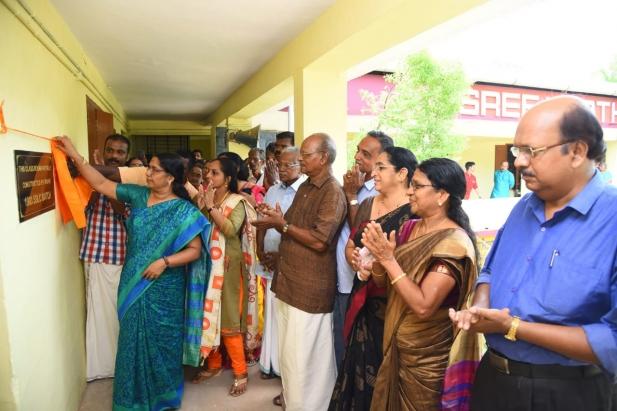 കുട്ടമ്പേരൂർ ശ്രീ കാർത്തിയായനി വിലാസം ഹൈസ്കൂൾ പൂർവ വിദ്യാർത്ഥി, അദ്ധ്യാപക കുടുംബ സംഗമവും, ഗുരുവന്ദനവും സംഘടിപ്പിച്ചു