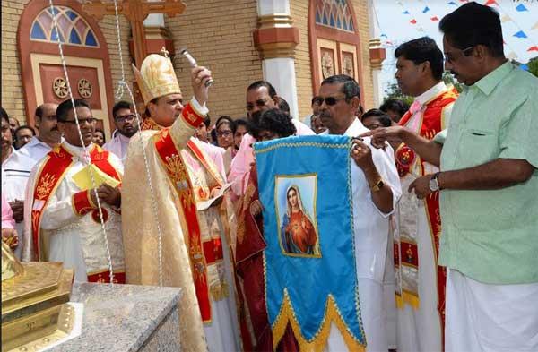 ഷിക്കാഗോ സെന്റ് മേരീസ് ദേവാലയത്തിൽ പ്രധാന തിരുനാളിന് കൊടിയേറി