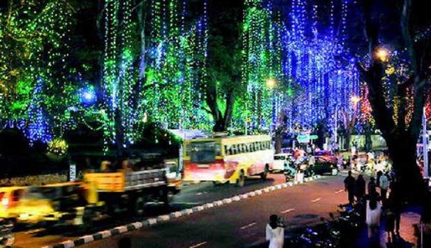 ഓണാഘോഷ സമാപനം: തിരുവനന്തപുരം ജില്ലയിൽ പ്രൊഫഷണൽ കോളജുകൾ  ഉൾപ്പെടെയുള്ള വിദ്യാഭ്യാസ സ്ഥാപനങ്ങൾക്ക് നാളെ ഉച്ച മുതൽ അവധി