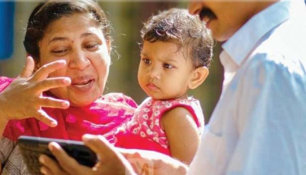 'അകേലേ ഹം... അകേലേ തും...' ആമീർഖാന്റെ പാട്ടിലെ ഒരു രംഗം കണ്ട മരിയ ആംഗ്യഭാഷയിൽ പറഞ്ഞു, ഇതിനടുത്താണ് എന്റെ വീട്; 13-ാം വയസ്സിൽ നാടുവിട്ട് കട്ടപ്പനയിൽ എത്തിയ മരിയയുടെ ഉറ്റവരെ കണ്ടെത്താനുള്ള ശ്രമം ഊർജിതമാക്കി ഭർത്താവ് റോഡിമോൻ
