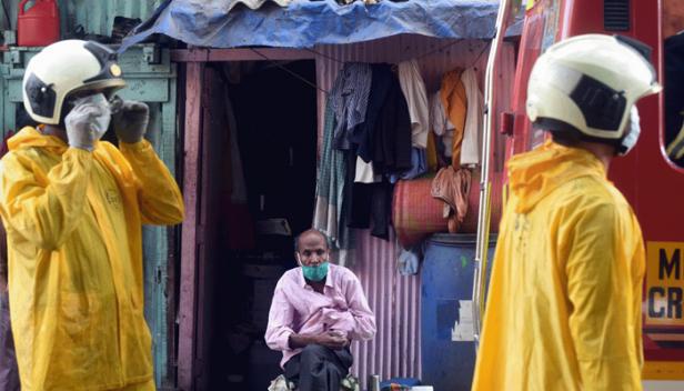 രാജ്യത്തിന് ആശ്വാസമായി ധാരാവി; മുംബൈയിലെ കോവിഡ് രോഗികളുടെ എണ്ണം പെരുകുമ്പോൾ ധാരവിയിലെ രോഗികളുടെ എണ്ണം 2100ൽ താഴെ