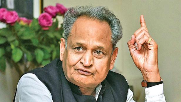 രാജസ്ഥാനിൽ ബിജെപി വീണ്ടും കുതിരകച്ചവടത്തിന് ശ്രമിക്കുന്നു: കോൺഗ്രസ് എംഎൽഎക്ക് ബിജെപി വാഗ്ദാനം ചെയ്യുന്നത് 15 കോടി രൂപ: ആരോപണവുമായി അശോക് ഗെഹ്ലോട്ട്