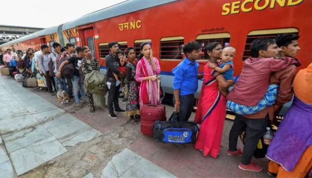 ശ്രമിക് തീവണ്ടികളിൽ മരിച്ചത് 97 കുടിയേറ്റ തൊഴിലാളികൾ; കണക്കുകൾ പാർലമെന്റിൽ അവതരിപ്പിച്ച് കേന്ദ്ര സർക്കാർ