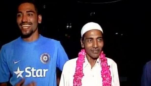 ഇന്ത്യൻ ക്രിക്കറ്റ് താരം മുഹമ്മദ് സിറാജിന്റെ പിതാവ് അന്തരിച്ചു; മരണം ശ്വാസകോശ സംബന്ധമായ അസുഖത്തിന് ചികിത്സയിലിരിക്കെ