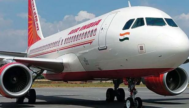 ഇന്ത്യ-യുകെ വിമാന സർവീസുകൾ പുനരാരംഭിച്ചു; ലണ്ടനിൽ നിന്നും എയർ ഇന്ത്യ വിമാനം ഡൽഹിയിലെത്തിയത് 246 യാത്രക്കാരുമായി