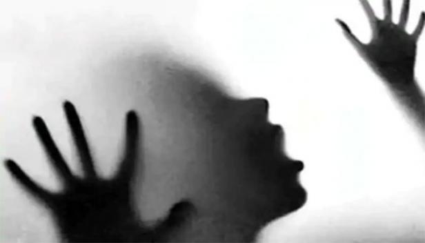 വീടുവിട്ടിറങ്ങിയ പെൺകുട്ടിയെ വിവിധ സ്ഥലങ്ങളിലെത്തിച്ച് പീഡിപ്പിച്ചു; തിരുവനന്തപുരത്ത് രണ്ട് യുവാക്കൾ അറസ്റ്റിൽ