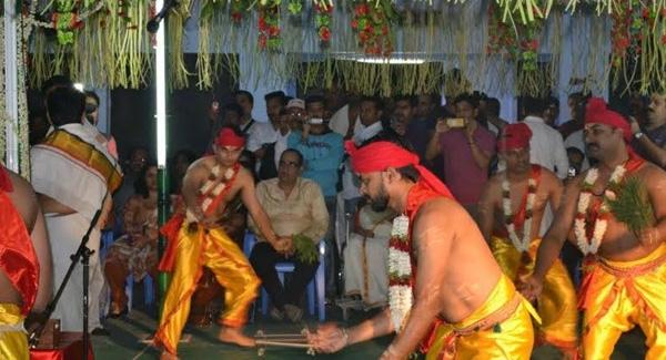 മണലാരണ്യത്തിൽ വീണ്ടും കണ്ണ്യാർകളിക്കാലം; പാലക്കാടിന്റെ പരമ്പരാഗത കലാരൂപത്തിന് അരങ്ങൊരുങ്ങുന്നതു ഷാർജയിൽ